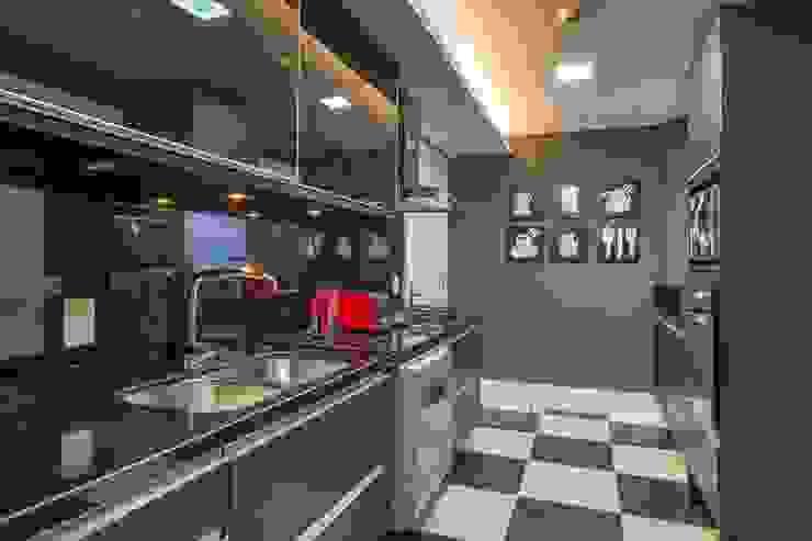 Piso estilizado rejuvenesce o ambiente Cozinhas modernas por BG arquitetura   Projetos Comerciais Moderno