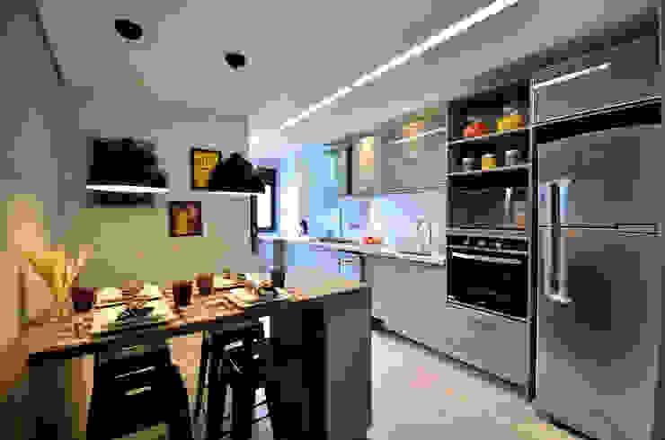 Espaço para refeições faz parte do funcionamento da cozinha por BG arquitetura   Projetos Comerciais Moderno
