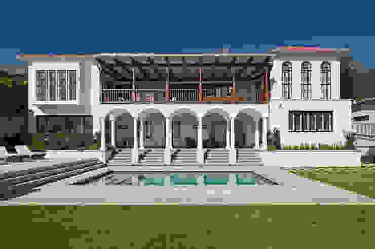 Piletas clásicas de KMMA architects Clásico