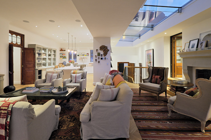 Salones clásicos de KMMA architects Clásico