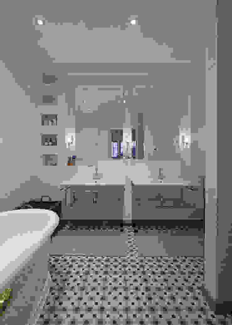 Baños clásicos de KMMA architects Clásico
