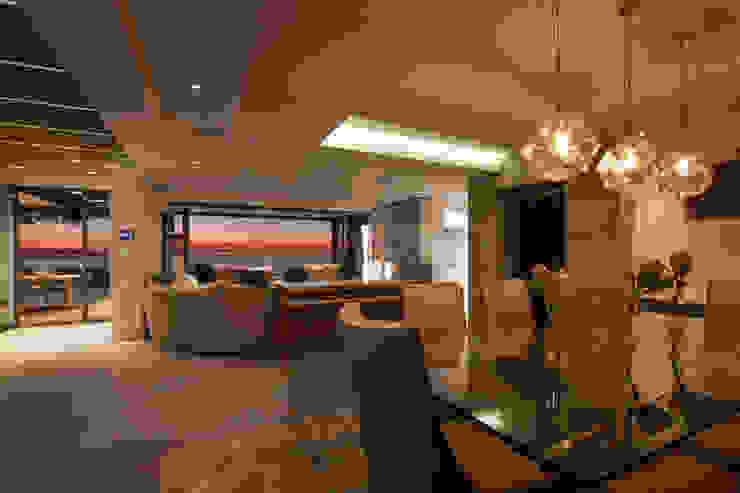 by KMMA architects Modern