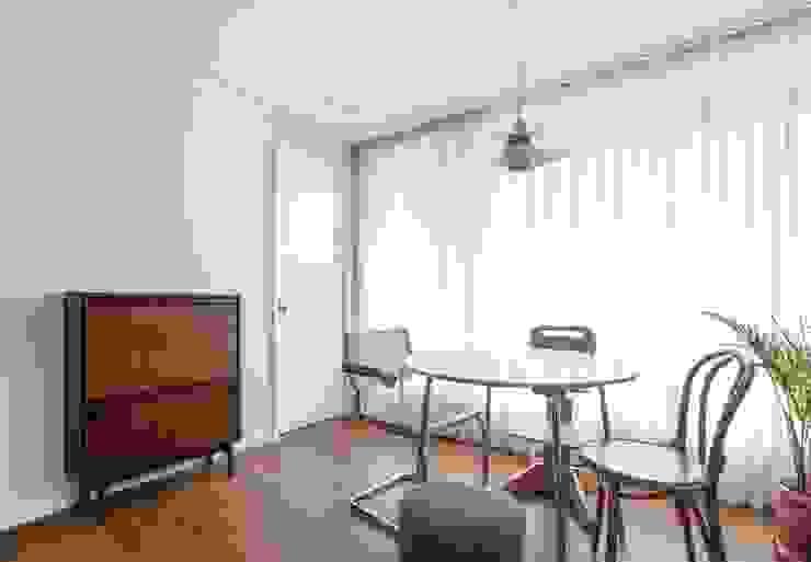 평창동 24PY 아파트 모던스타일 거실 by 스튜디오 5mm 모던