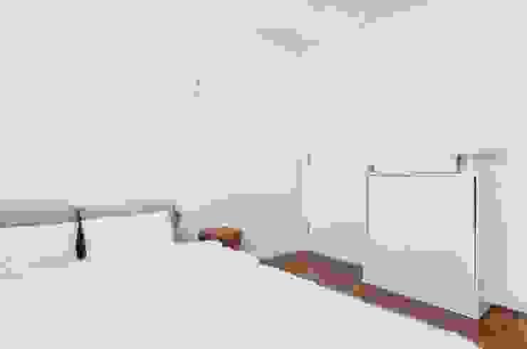 평창동 24PY 아파트 모던스타일 침실 by 스튜디오 5mm 모던