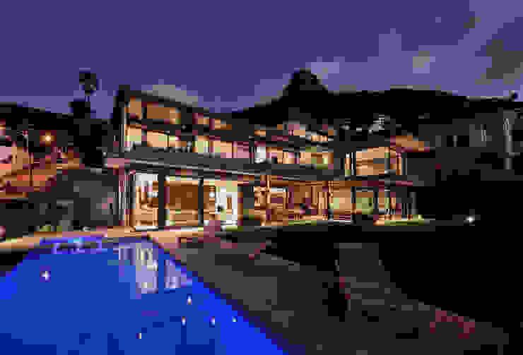 House La Croix Fresnaye Modern houses by KMMA architects Modern