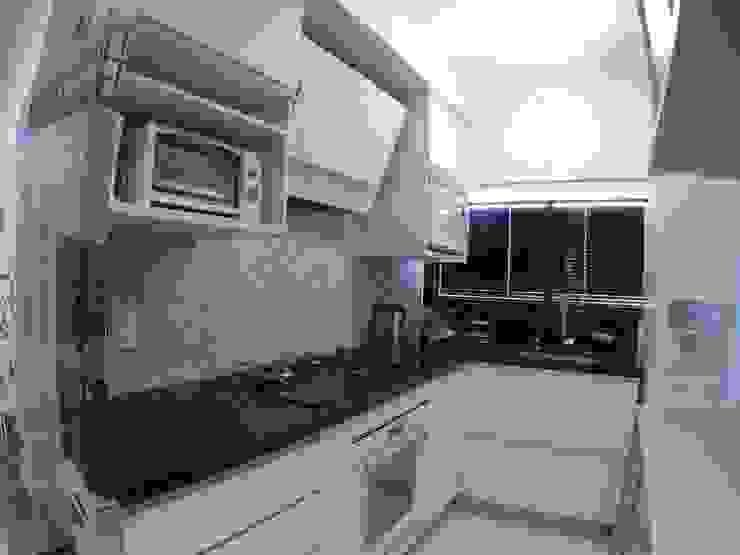 COZINHA INTEGRADA: Cozinhas pequenas  por ABBITÁ arquitetura,Moderno
