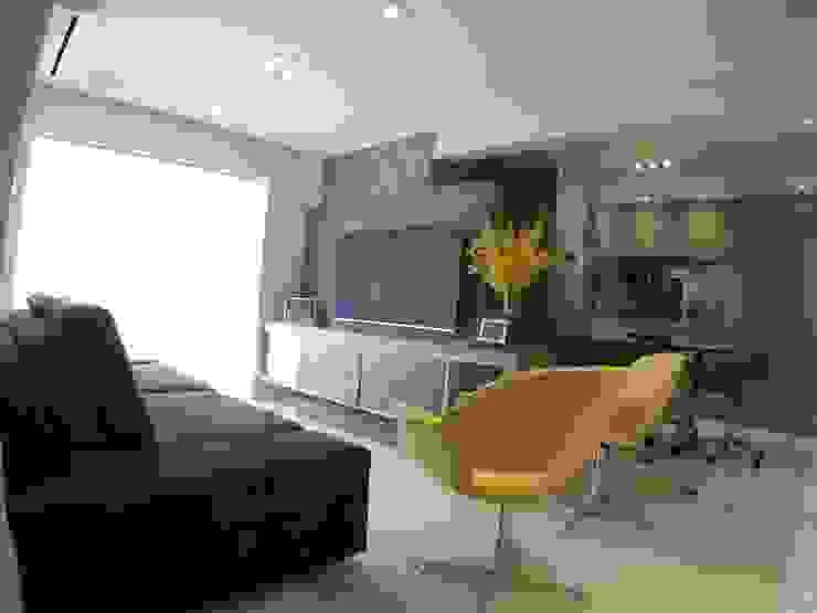 SALA DE ESTAR e TV: Salas de estar  por ABBITÁ arquitetura,Moderno