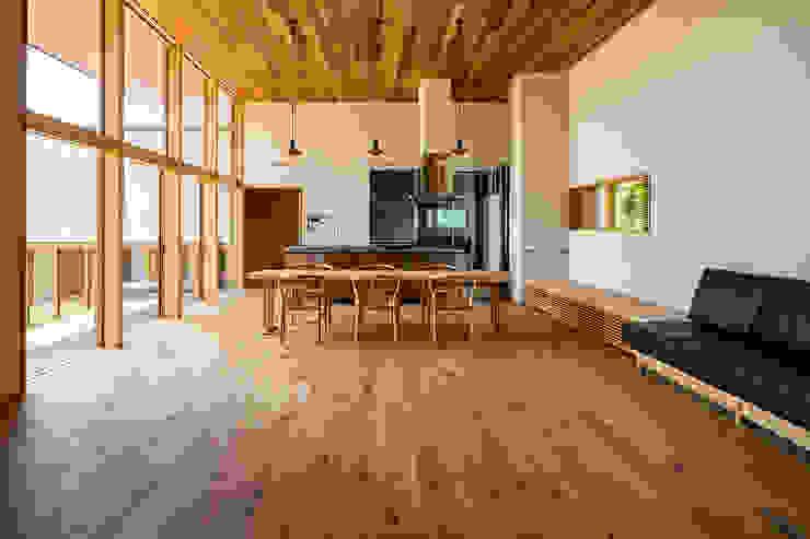 中山大輔建築設計事務所/Nakayama Architects Modern living room Solid Wood Wood effect