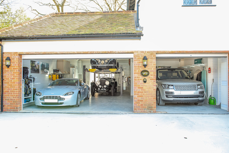 Stunning Garage Transformation in Buckinghamshire Classic style garage/shed by Garageflex Classic