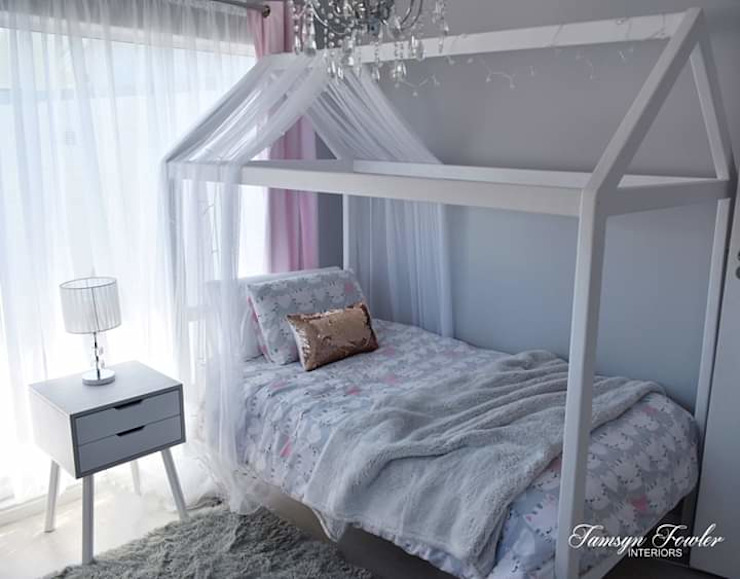 Princess Room Modern style bedroom by Tamsyn Fowler Interiors Modern