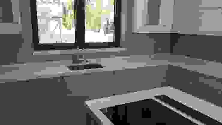 كلاسيكي  تنفيذ Decodan - Estudio de cocinas y armarios en Estepona y Marbella, كلاسيكي