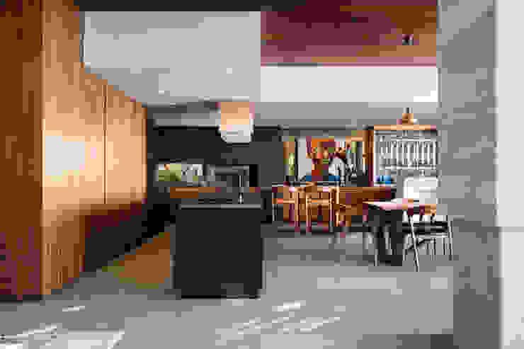 HOUSE SEALION | FRESNAYE Wright Architects 置入式廚房 塑木複合材料 Black