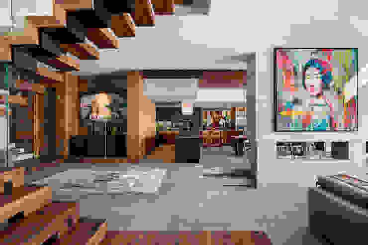 Wright Architects Sala da pranzo moderna Cemento Grigio