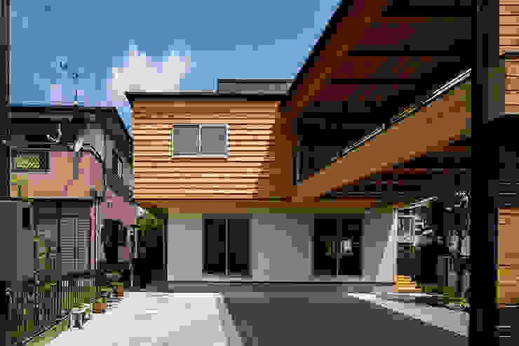 Casas de madeira  por 中山大輔建築設計事務所/Nakayama Architects