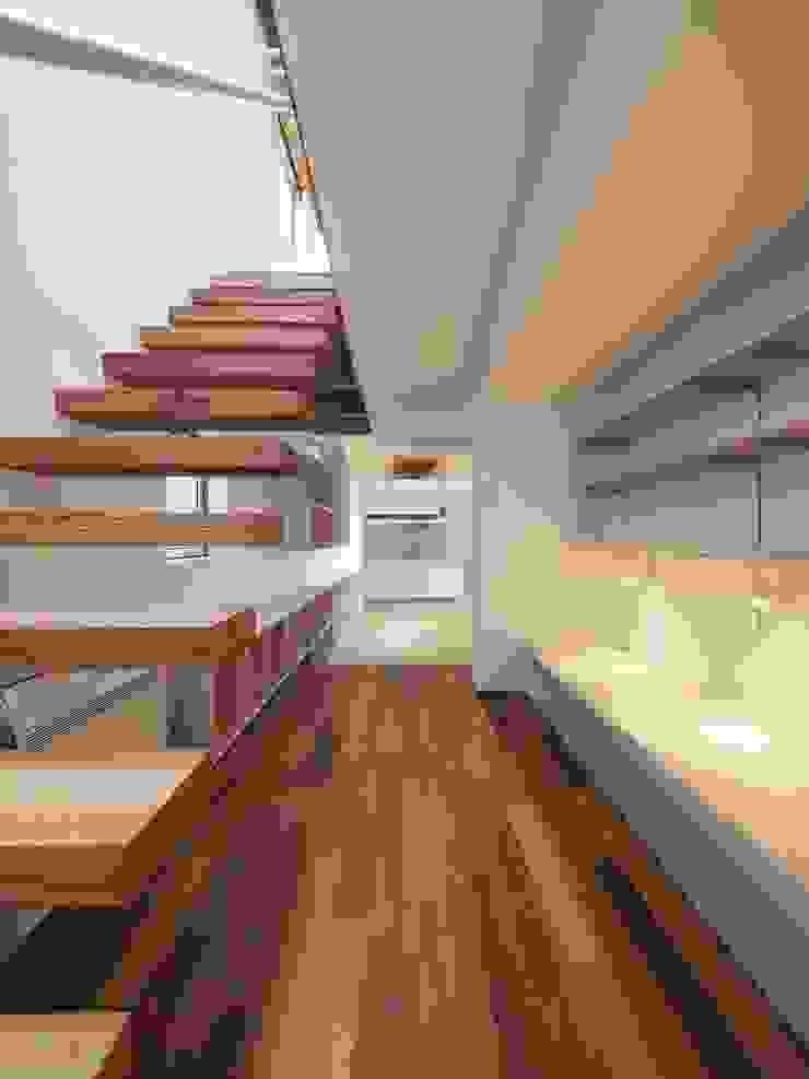 イシウエヨシヒロ建築設計事務所 YIA Stairs