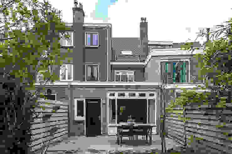 Uitbouw Moderne huizen van Bob Romijnders Architectuur + Interieur Modern