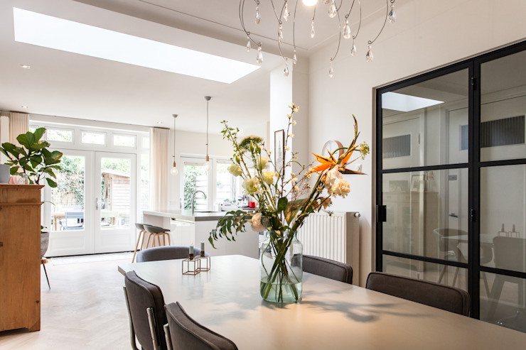 Eetkamer Moderne eetkamers van Bob Romijnders Architectuur + Interieur Modern