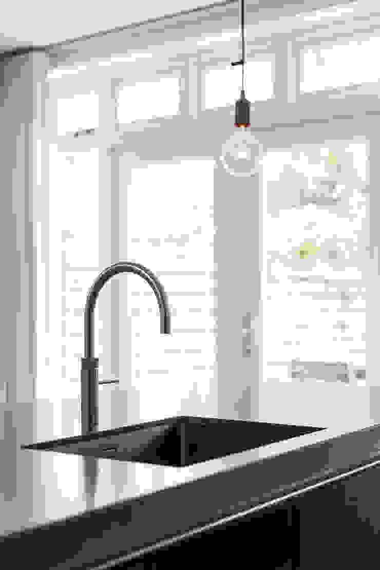 Gootsteen Moderne keukens van Bob Romijnders Architectuur + Interieur Modern