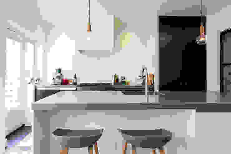 Leefkeuken Moderne keukens van Bob Romijnders Architectuur + Interieur Modern