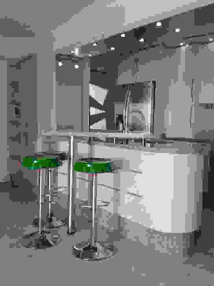 Concepto abierto. vuolo.arteydiseño Muebles de cocinas Derivados de madera Metálico/Plateado