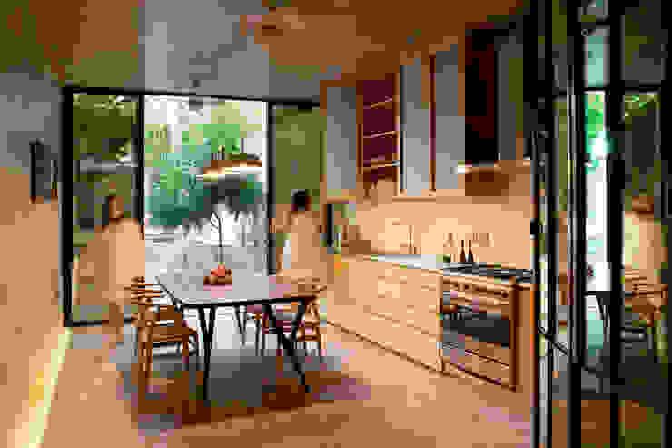 cocina Cocinas de estilo moderno de Taller Estilo Arquitectura Moderno Madera Acabado en madera
