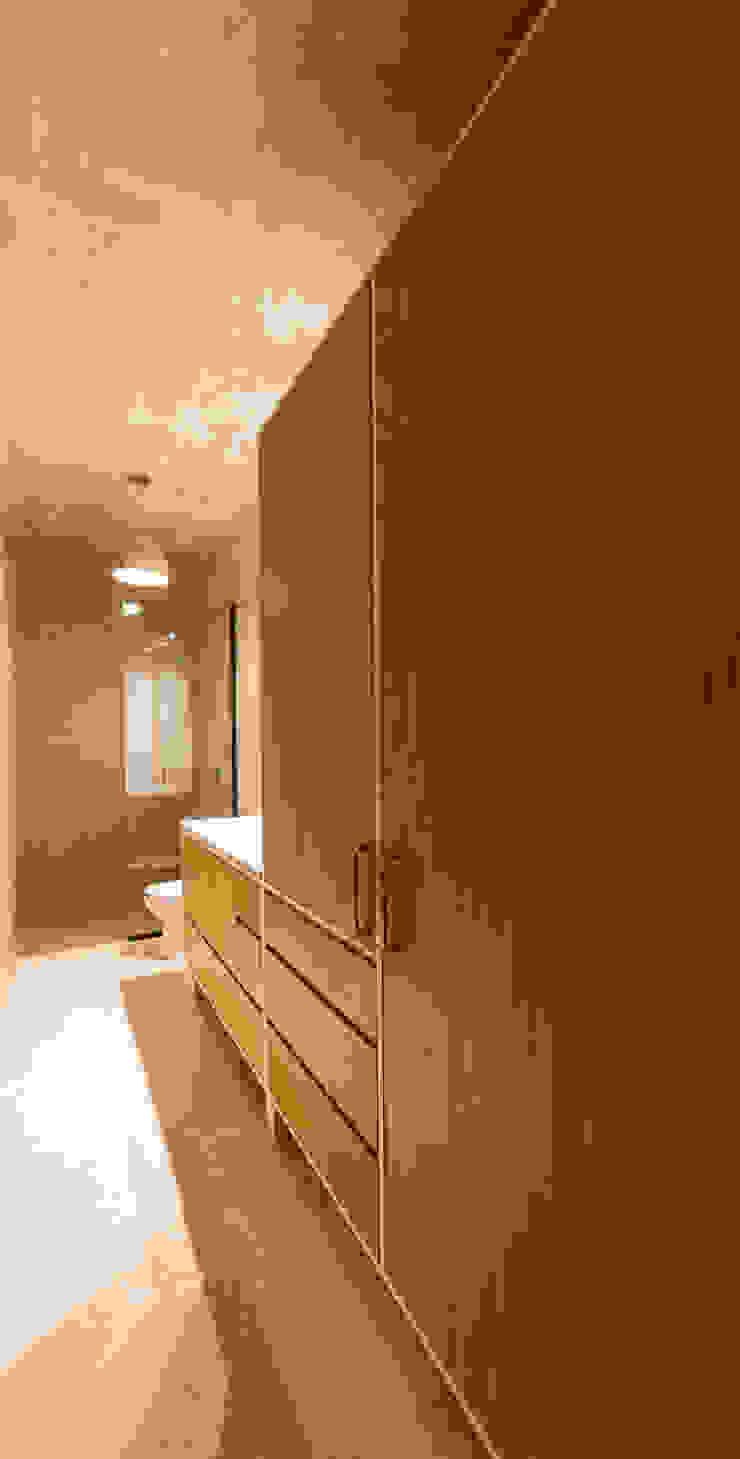 Baño Huespedes Baños de estilo moderno de Taller Estilo Arquitectura Moderno Madera Acabado en madera