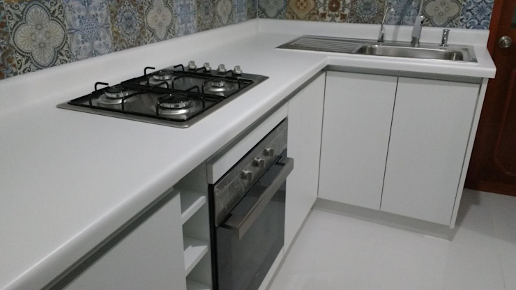 Cocina de Alicia Ibáñez Interior Design Moderno