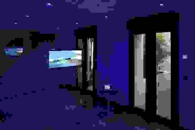 Modern Gym by Domonova Soluciones Tecnológicas para tu vivienda en Madrid Modern