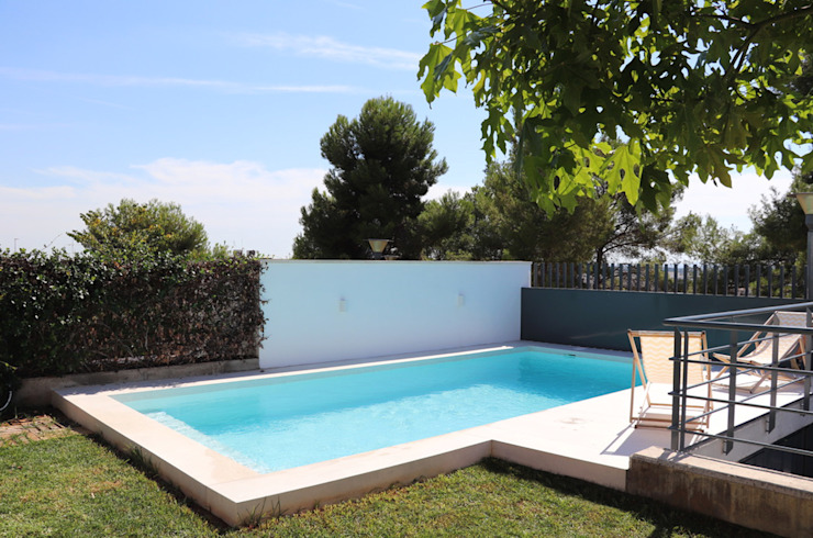 piscina dia Masquetres Arquitectos Piscinas de estilo moderno