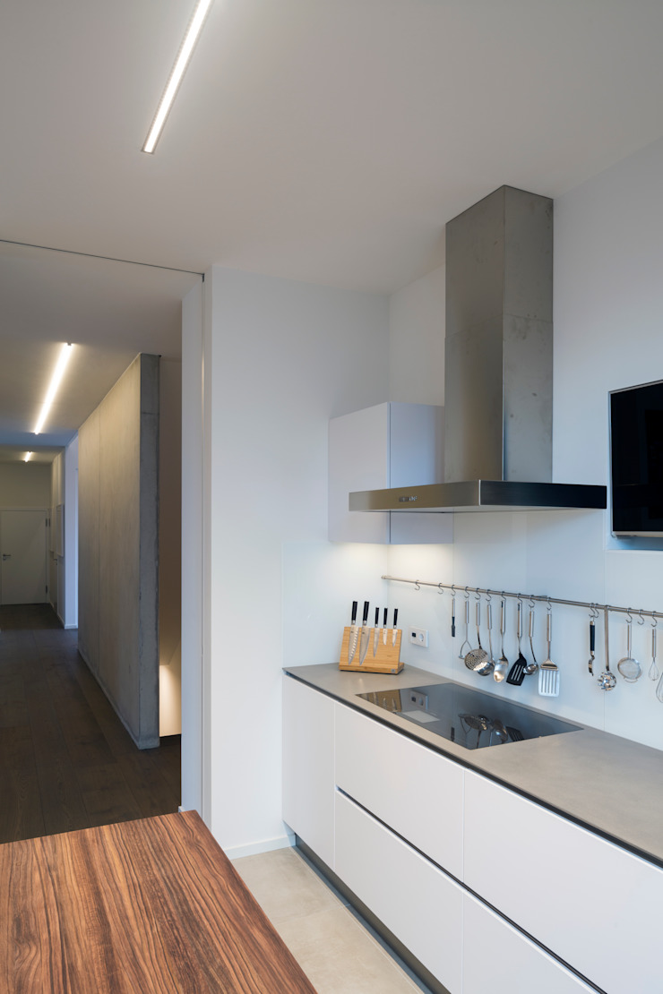 ARCHITEKTEN BRÜNING REIN Modern kitchen