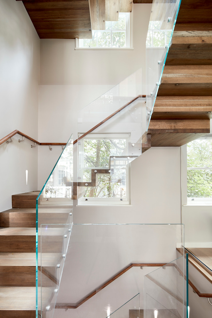 Minimalist stairs Oleh Urbanist Architecture Minimalis Kayu Wood effect