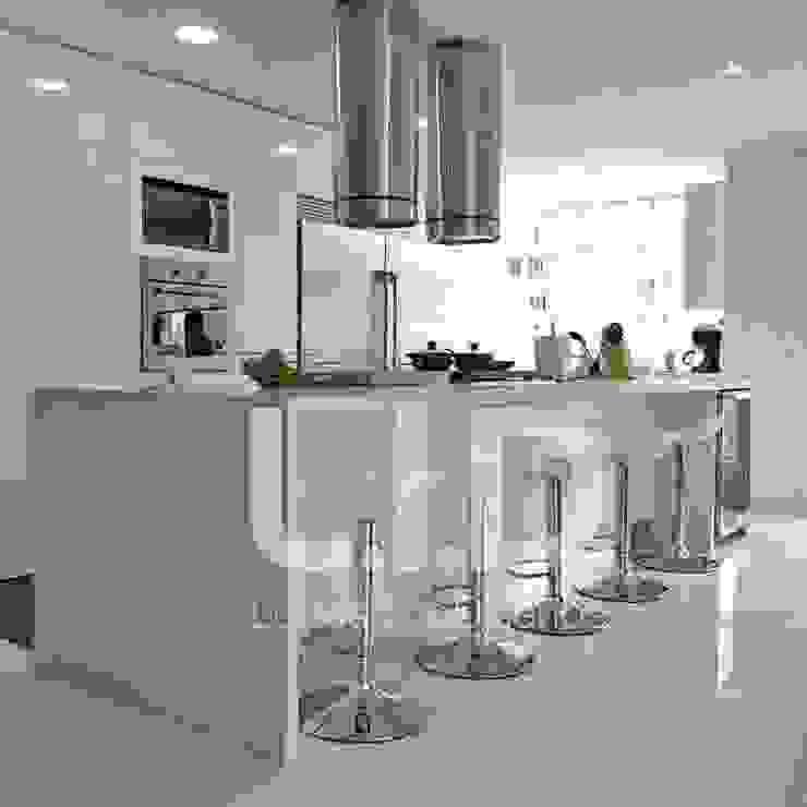 LUIS ISAZA DISEÑOS 置入式廚房 木頭 White