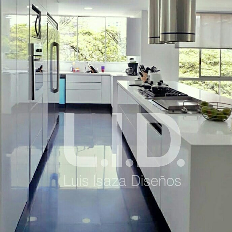 cocina de LUIS ISAZA DISEÑOS Moderno Madera Acabado en madera