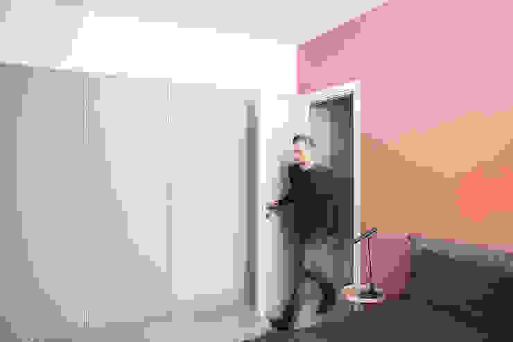 Minimalist bedroom by Mohamed Keilani Interiors Minimalist