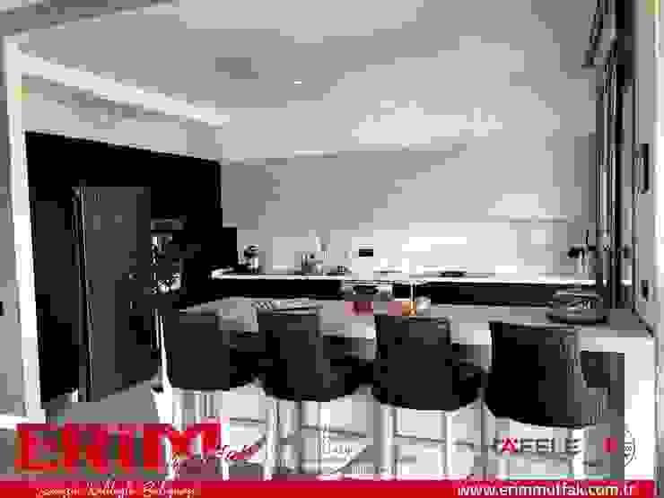 Erim Mutfak – modern mutfak: modern tarz , Modern Ahşap Ahşap rengi