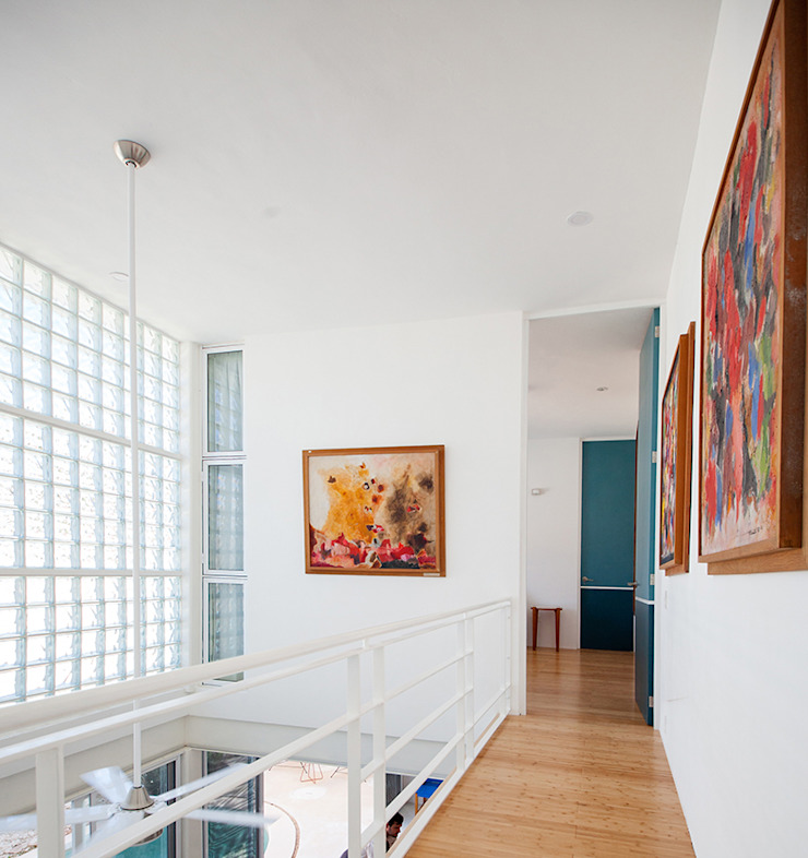 Koridor & Tangga Modern Oleh Taller Estilo Arquitectura Modern Kayu Wood effect