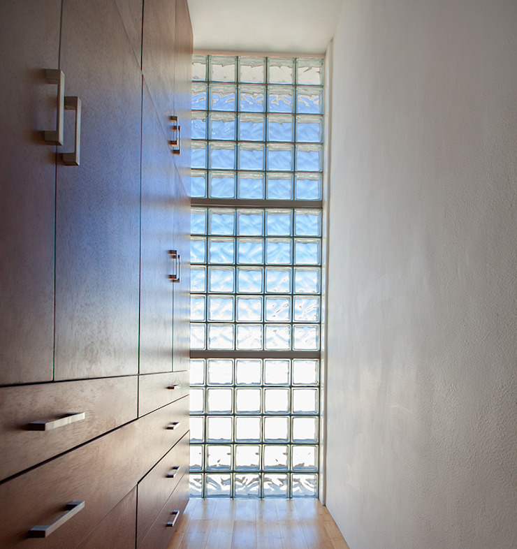 Ruang Ganti Modern Oleh Taller Estilo Arquitectura Modern Kayu Wood effect