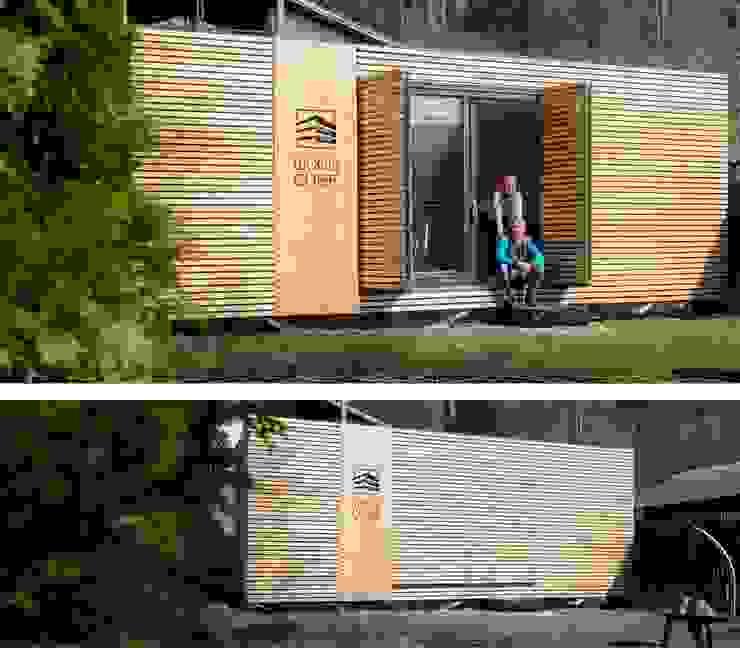 Fassadenintegrierte Schiebefaltläden:  Kleines Haus von WoodCube GmbH,