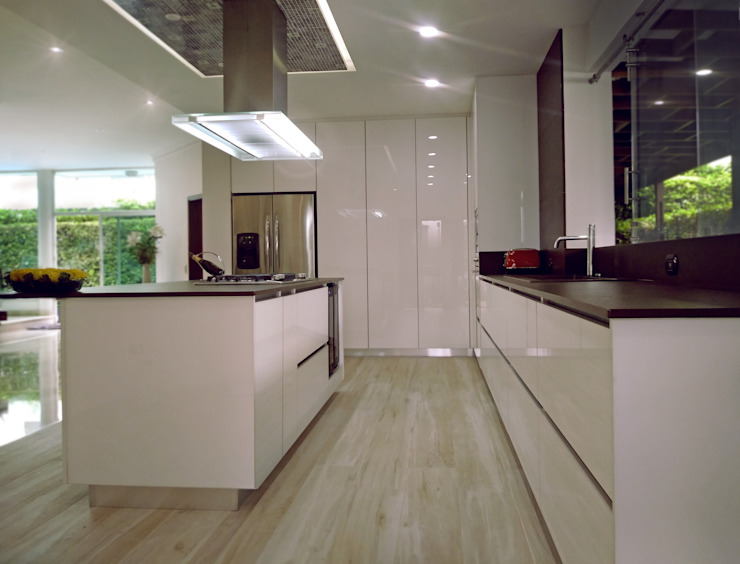 Decoralvarez Dapur built in White