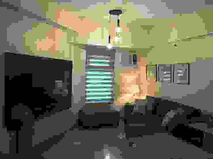 INTERIOR DESIGN OF 1 BEDROOM CONDOMINIUM UNIT by MKC DESIGN Modern