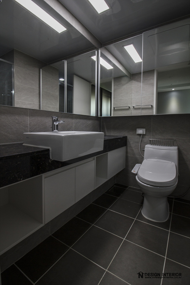 Modern bathroom by N디자인 인테리어 Modern