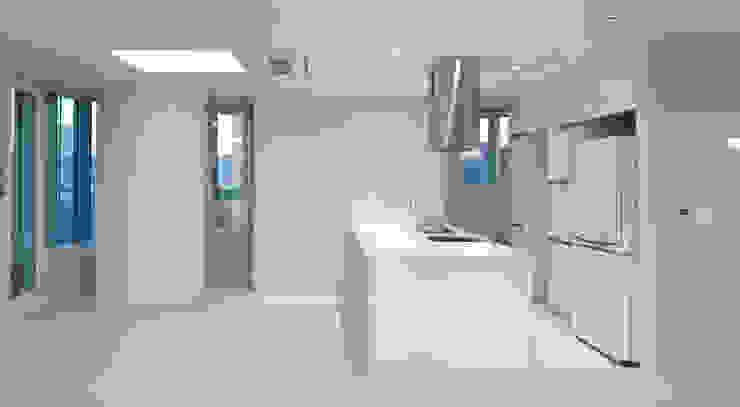 Modern kitchen by 디자인모리 Modern Tiles