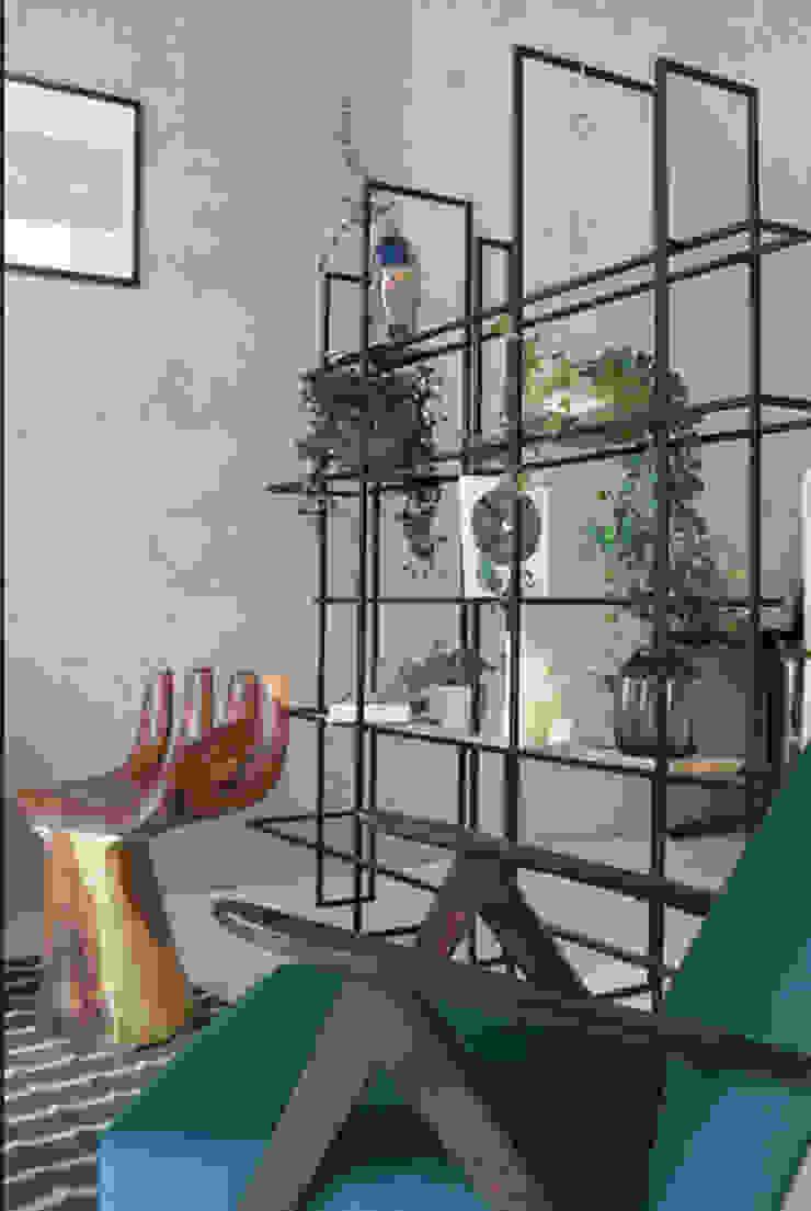 Ivy's Design - Interior Designer aus Berlin Kantor & Toko Modern Kayu Brown