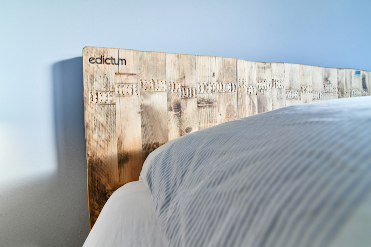 Detail of bed edictum - UNIKAT MOBILIAR BedroomBeds & headboards Wood Beige