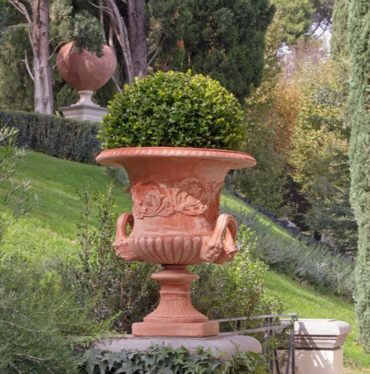 Vaso Medici in terracotta toscana VillaDorica GiardinoFioriere & Vasi Pietra Arancio