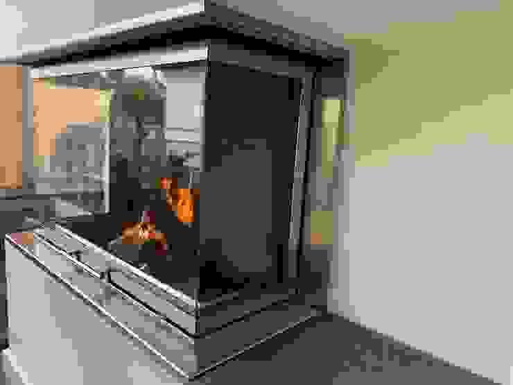 by Christoph Lüpken Ofenbau GmbH - Kamine aus Duesseldorf Modern Iron/Steel