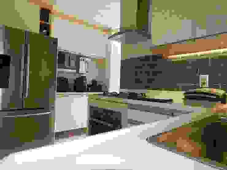 Izabella Biancardine Interiores CocinaEstanterías y gavetas