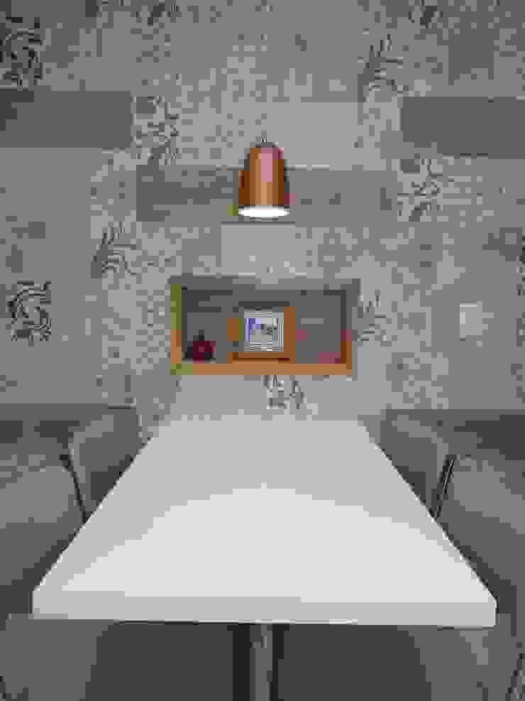 Izabella Biancardine Interiores KücheTische und Sitzmöbel