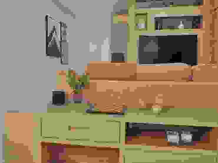 Projeto de mobiliário Izabella Biancardine Interiores Corredores, halls e escadas modernos Madeira