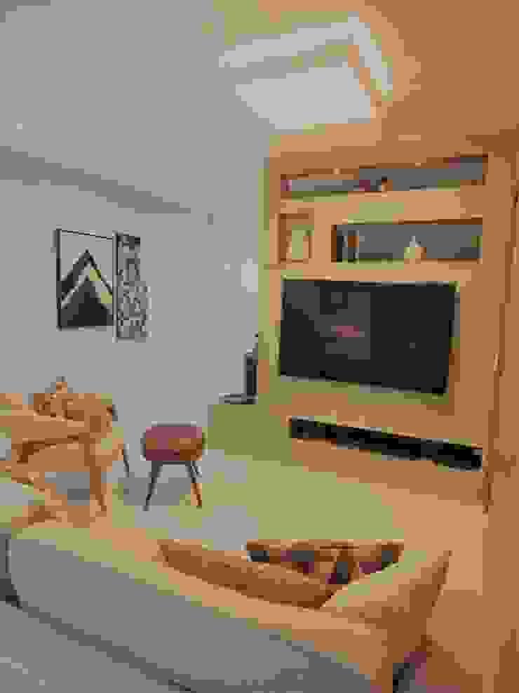 Sala dividida - Tv e Home Office Izabella Biancardine Interiores Eletrônicos
